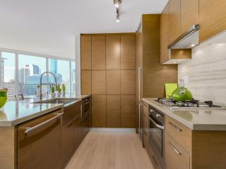 "Photo 11: 1507 535 SMITHE Street in Vancouver: Downtown VW Condo for sale in ""DOLCE AT SYMPHONY PLACE"" (Vancouver West)  : MLS®# R2065193"