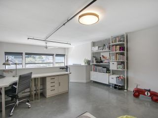 """Photo 15: 305 428 W 8TH Avenue in Vancouver: Mount Pleasant VW Condo for sale in """"XL LOFTS"""" (Vancouver West)  : MLS®# R2184000"""