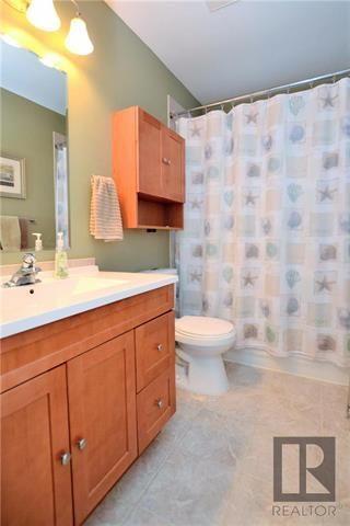 Photo 12: 11 Twain Drive in Winnipeg: Westwood Residential for sale (5G)  : MLS®# 1820610