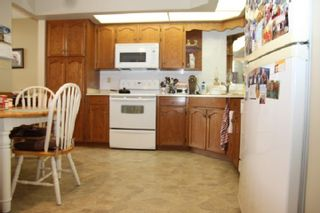 "Photo 3: 305 31930 OLD YALE Road in Abbotsford: Abbotsford West Condo for sale in ""Royal Court"" : MLS®# R2544140"