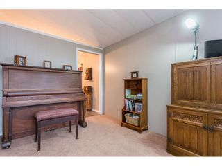 """Photo 16: 74 9080 198 Street in Langley: Walnut Grove Manufactured Home for sale in """"Forest Green Estates"""" : MLS®# R2457126"""