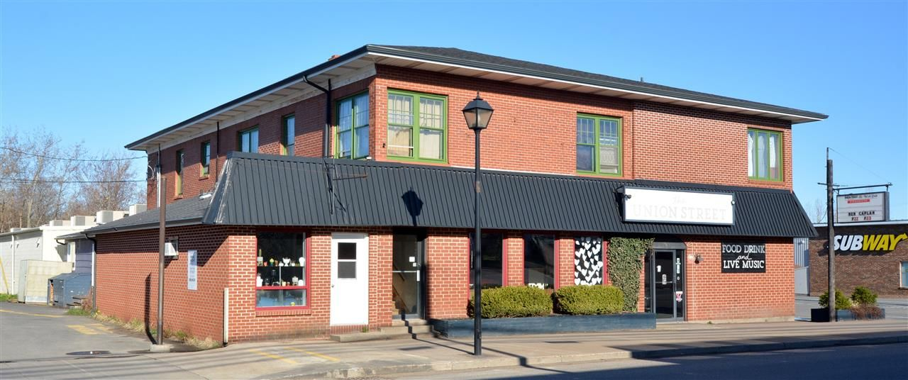 Main Photo: 183 COMMERCIAL Street in Berwick: 404-Kings County Multi-Family for sale (Annapolis Valley)  : MLS®# 202025873
