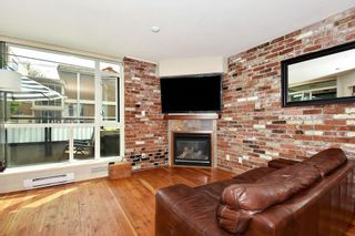 """Photo 2: 106 2515 ONTARIO Street in Vancouver: Mount Pleasant VW Condo for sale in """"ELEMENTS"""" (Vancouver West)  : MLS®# R2385133"""
