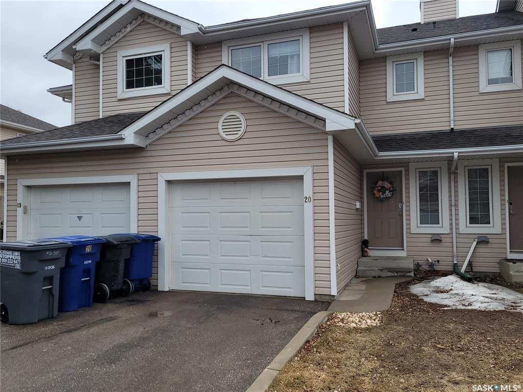 Main Photo: 20 327 Berini Drive in Saskatoon: Erindale Residential for sale : MLS®# SK848612