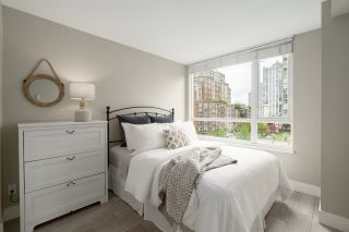 """Photo 18: 409 1188 RICHARDS Street in Vancouver: Yaletown Condo for sale in """"Park Plaza"""" (Vancouver West)  : MLS®# R2475181"""