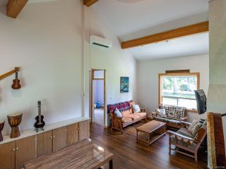 Photo 11: 5581 Seacliff Rd in COURTENAY: CV Courtenay North House for sale (Comox Valley)  : MLS®# 837166