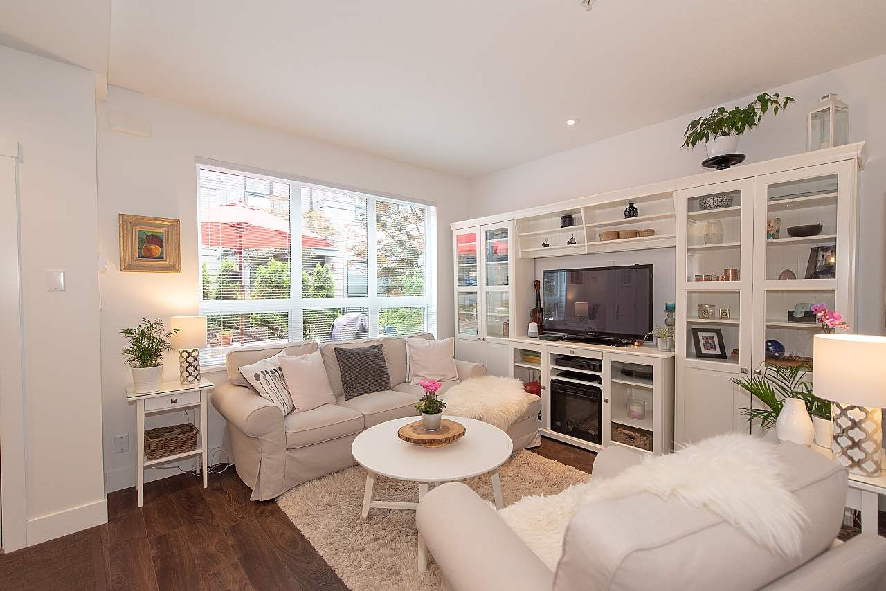 """Main Photo: 4 3508 MT SEYMOUR Parkway in North Vancouver: Northlands Townhouse for sale in """"Parkgate"""" : MLS®# R2282114"""