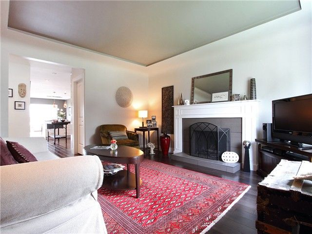 Photo 2: Photos: 1249 E 29TH AV in Vancouver: Knight House for sale (Vancouver East)  : MLS®# V1066592