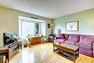 Photo 6: 1112 NINGA Road NW in Calgary: North Haven Semi Detached for sale : MLS®# C4222139