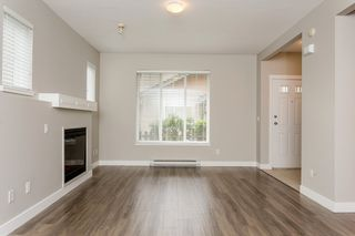 """Photo 5: 17 5839 PANORAMA Drive in Surrey: Sullivan Station Townhouse for sale in """"Forest Gate"""" : MLS®# R2046887"""