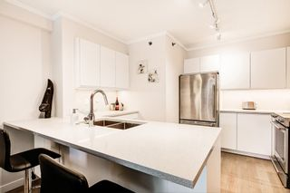 "Photo 4: 312 503 W 16TH Avenue in Vancouver: Fairview VW Condo for sale in ""The Pacifica"" (Vancouver West)  : MLS®# R2374696"