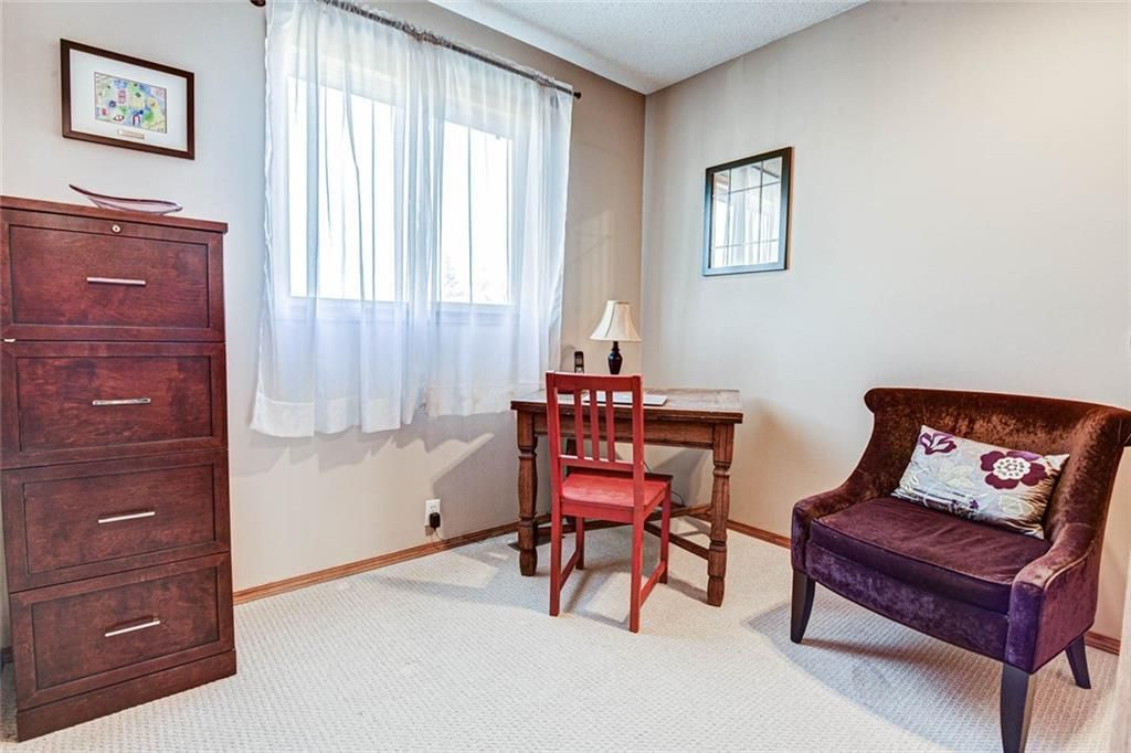 Photo 14: Photos: 62 RIVERCREST Circle SE in Calgary: Riverbend Detached for sale : MLS®# C4273736