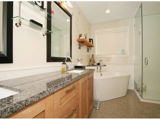 Photo 7: Photos: 17290 1ST AV in Surrey: Pacific Douglas House for sale (South Surrey White Rock)  : MLS®# F1424091