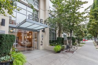 """Photo 1: 1007 1225 RICHARDS Street in Vancouver: Downtown VW Condo for sale in """"THE EDEN"""" (Vancouver West)  : MLS®# R2107560"""