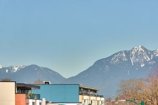 """Photo 17: 305 707 E 20TH Avenue in Vancouver: Fraser VE Condo for sale in """"Blossom"""" (Vancouver East)  : MLS®# R2438393"""