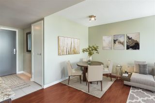 """Photo 3: 1101 583 BEACH Crescent in Vancouver: Yaletown Condo for sale in """"TWO PARK WEST"""" (Vancouver West)  : MLS®# R2578199"""