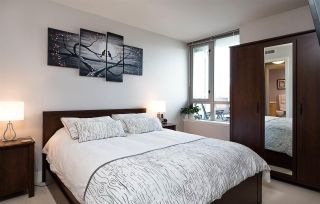 """Photo 6: 522 2008 PINE Street in Vancouver: False Creek Condo for sale in """"MANTRA"""" (Vancouver West)  : MLS®# R2348599"""