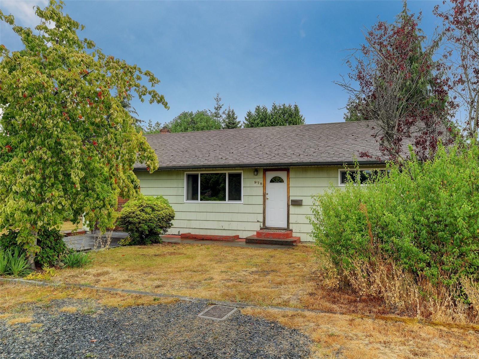 Main Photo: 978 Bray Ave in : La Langford Proper House for sale (Langford)  : MLS®# 857429