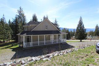 Photo 2: 2696 Fraser Road in Anglemont: North Shuswap House for sale (Shuswap)  : MLS®# 10114033