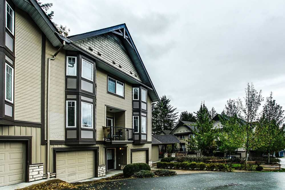 """Main Photo: 12 32501 FRASER Crescent in Mission: Mission BC Townhouse for sale in """"FRASER LANDING"""" : MLS®# R2117880"""
