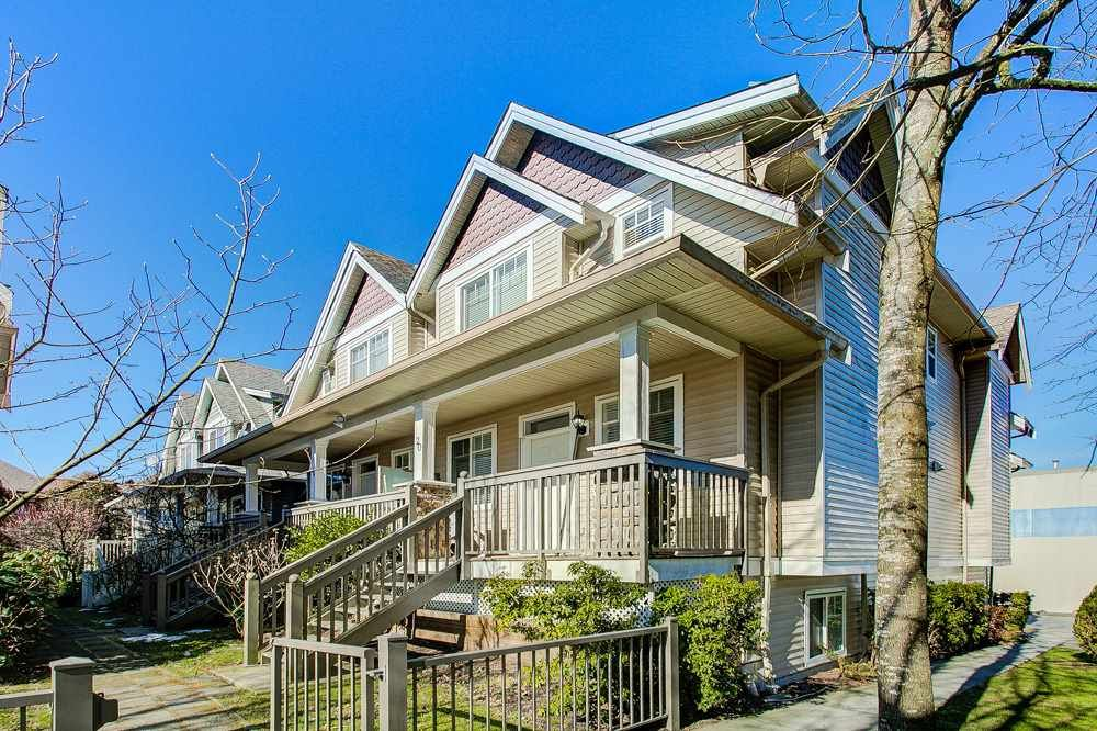 """Main Photo: 19 19063 MCMYN Road in Pitt Meadows: Mid Meadows Townhouse for sale in """"Villagio"""" : MLS®# R2362215"""