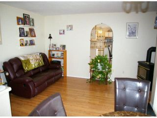 """Photo 4: 9 45640 STOREY Avenue in Sardis: Sardis West Vedder Rd Townhouse for sale in """"Whispering Pines"""" : MLS®# R2175072"""