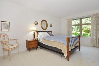 "Photo 11: 104 15220 GUILDFORD Drive in Surrey: Guildford Condo for sale in ""BOULEVARD CLUB"" (North Surrey)  : MLS®# R2271366"