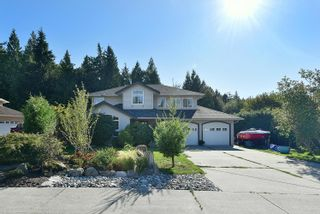 """Photo 1: 863 INGLIS Road in Gibsons: Gibsons & Area House for sale in """"Oceanmount"""" (Sunshine Coast)  : MLS®# R2618699"""