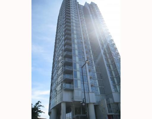 """Main Photo: 703 131 REGIMENT Square in Vancouver: Downtown VW Condo for sale in """"SPECTRUM"""" (Vancouver West)  : MLS®# V786858"""