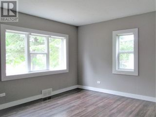 Photo 10: 10108 114 Street in Fairview: House for sale : MLS®# A1120909