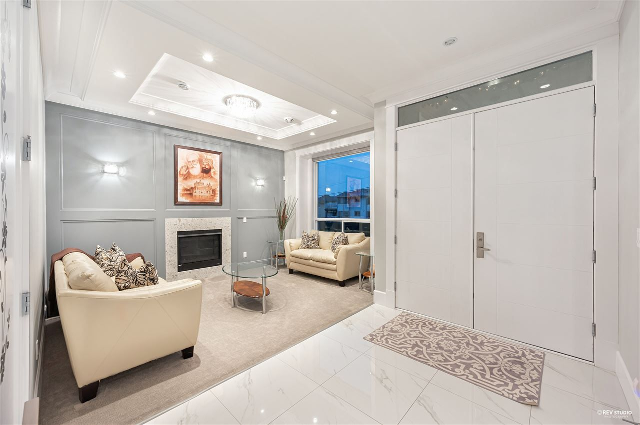 Photo 2: Photos: 16049 90 Avenue in Surrey: Fleetwood Tynehead House for sale : MLS®# R2523758