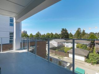 """Photo 12: 307 6933 CAMBIE Street in Vancouver: Cambie Condo for sale in """"MOSAIC CAMBRIA PARK"""" (Vancouver West)  : MLS®# R2379345"""