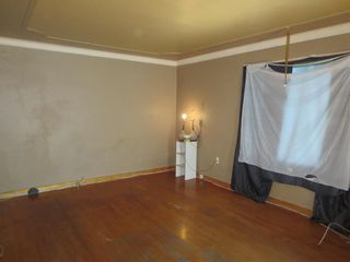 Photo 3: 56 Luxton Avenue in Winnipeg: North End Residential for sale (4C)  : MLS®# 202119801