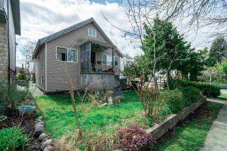 "Photo 11: 2504 NAPIER Street in Vancouver: Renfrew VE House for sale in ""RENFREW"" (Vancouver East)  : MLS®# R2449289"