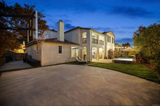 Photo 2: House for sale : 5 bedrooms : 7443 Circulo Sequoia in Carlsbad