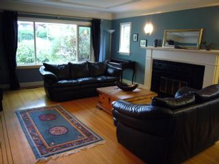Photo 4: 3821 WEST BROADWAY in Vancouver West: Point Grey Home for sale ()  : MLS®# V670161