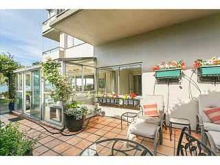 "Photo 2: M1 150 24TH Street in West Vancouver: Dundarave Condo for sale in ""SEASTRAND"" : MLS®# V1129051"