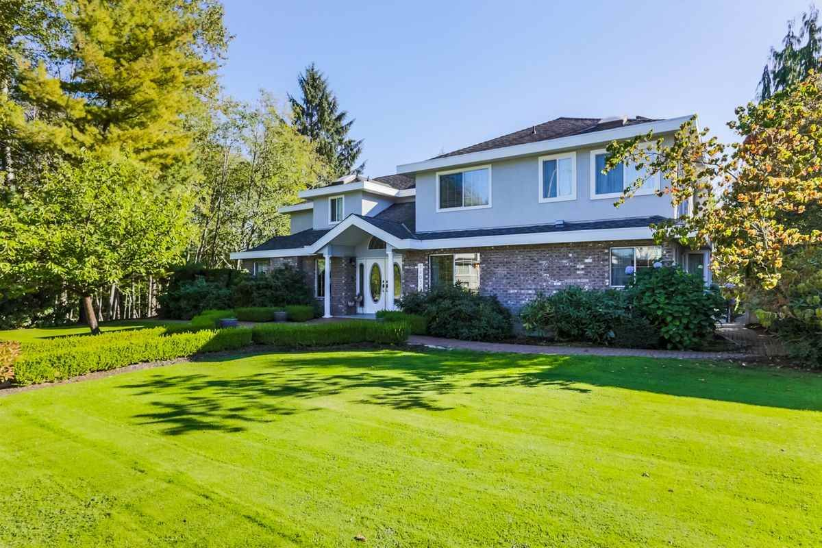 Photo 19: Photos: 14038 84 Avenue in Surrey: Bear Creek Green Timbers House for sale : MLS®# R2214208