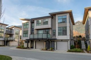 """Photo 1: 38343 SUMMIT'S VIEW Drive in Squamish: Downtown SQ Townhouse for sale in """"NATURE'S GATE EAGLEWIND"""" : MLS®# R2327010"""