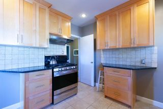 """Photo 6: 355 SHERBROOKE Street in New Westminster: Sapperton House for sale in """"Sapperton"""" : MLS®# R2332105"""
