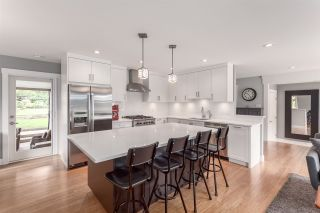Photo 5: 5488 RAWLINS Crescent in Delta: Pebble Hill House for sale (Tsawwassen)  : MLS®# R2169368