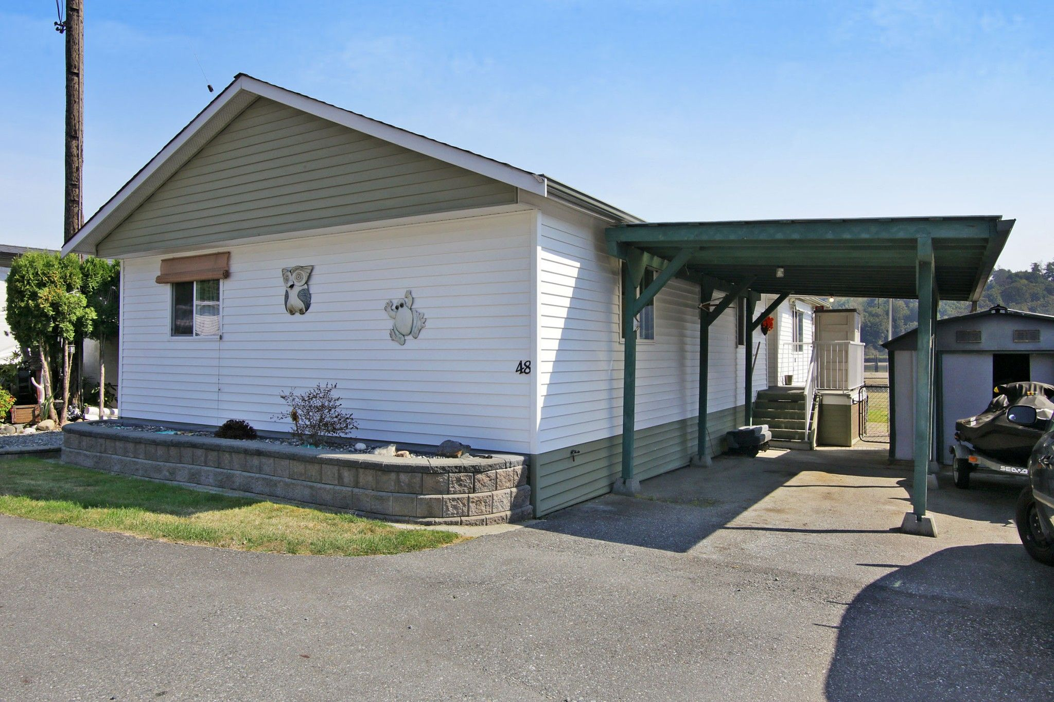 """Main Photo: 48 9960 WILSON Street in Mission: Stave Falls Manufactured Home for sale in """"Ruskin Mobile Home Park"""" : MLS®# R2357468"""