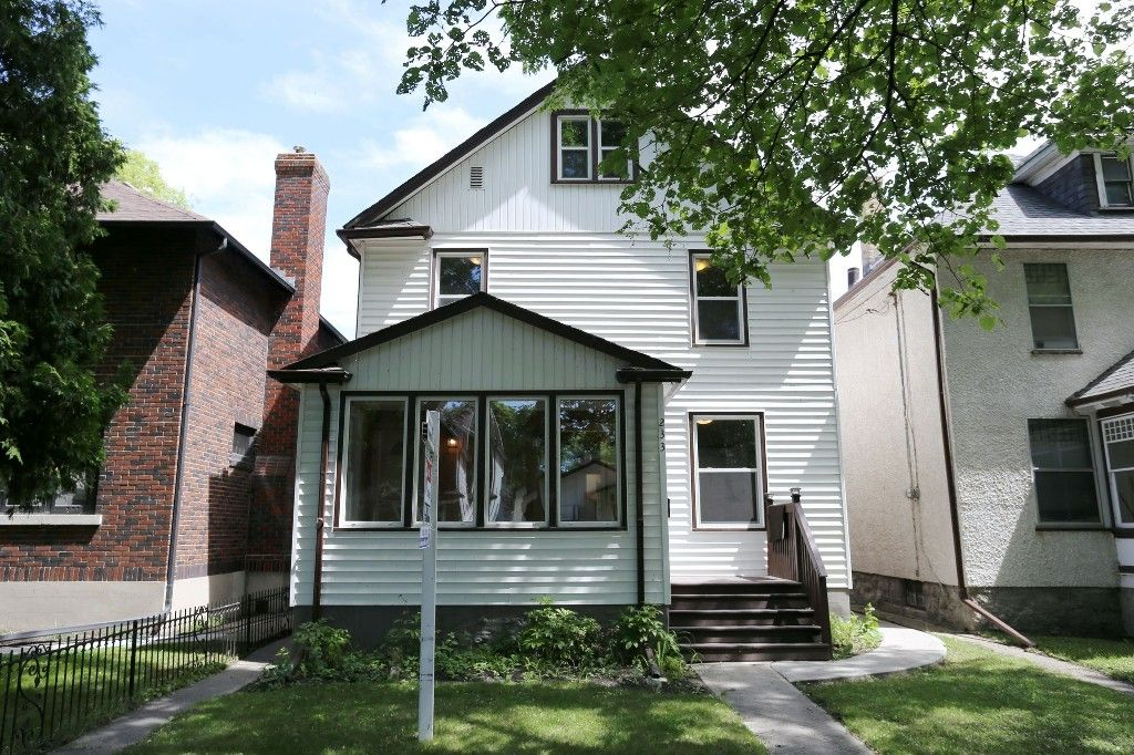 Welcome to 233 Lipton St. in Wolseley