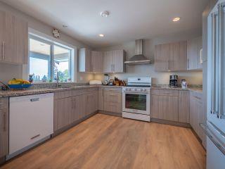 Photo 3: 6382 SAMRON Road in Sechelt: Sechelt District House for sale (Sunshine Coast)  : MLS®# R2532984