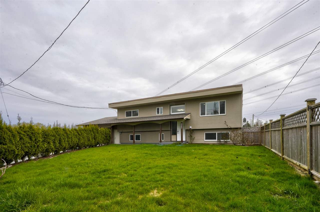 "Main Photo: 2280 BRADNER Road in Abbotsford: Aberdeen House for sale in ""Bradner"" : MLS®# R2561611"