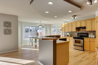 Photo 7: 12469 Crestmont Boulevard SW in Calgary: Crestmont Detached for sale : MLS®# A1109219