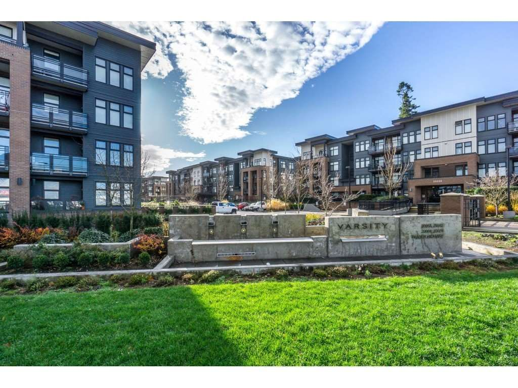 """Main Photo: 104 20062 FRASER Highway in Langley: Langley City Condo for sale in """"Varsity"""" : MLS®# R2453386"""