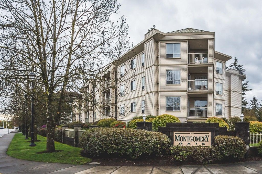 Main Photo: 101-5450-208th Street in Langley: Condo for sale