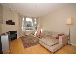 """Photo 2: 207 1688 CYPRESS Street in Vancouver: Kitsilano Condo for sale in """"YORKVILLE SOUTH"""" (Vancouver West)  : MLS®# V888402"""
