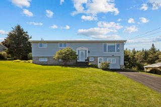 Photo 1: 21 Winston Drive in Herring Cove: 8-Armdale/Purcell`s Cove/Herring Cove Residential for sale (Halifax-Dartmouth)  : MLS®# 202123922